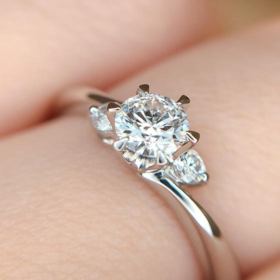 モニッケンダムのダイヤモンドの輝きをその目でお確かめください。