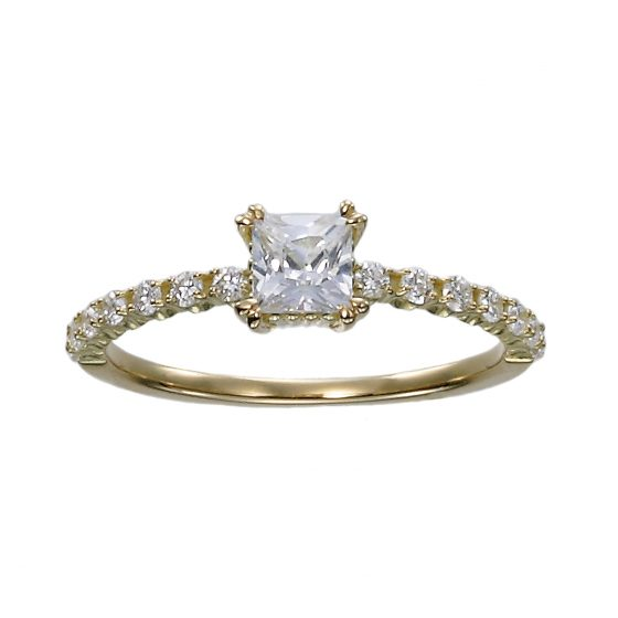 センターダイヤが四角いプリンセスカットを使用。洗練されたおしゃれな雰囲気が漂う婚約指輪です。