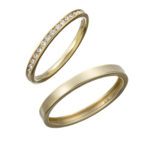 ダイヤモンドを1周敷き詰めたエタニティリング。引っ掛かりのないレール留めは普段使いに最適なデザインです。