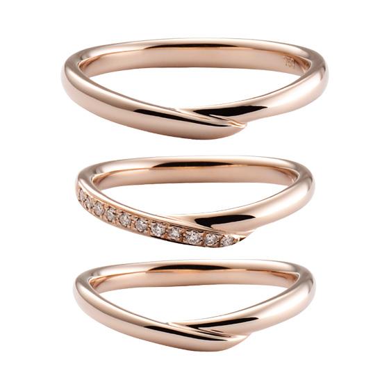緩やかなV字を描く、優しいイメージを作る結婚指輪。