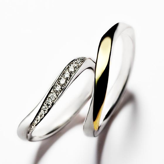 稲妻の意味合いをもつエクレア。その繊細なデザインにダイナミックなダイヤモンドセッティングが美しい。