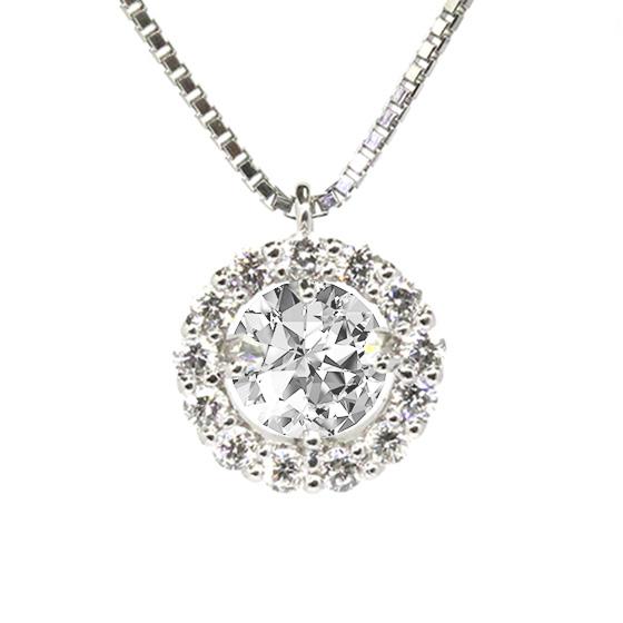 周りを取り巻くメレダイヤモンドがより高級感を感じるダイヤモンドネックレス。センターストーンも一回り大きく感じます。