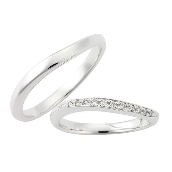 緩やかなウェーブラインの結婚指輪(マリッジリング)斜めに流れるようにデザイン。リーズナブルなので予算重視の方におすすめ。