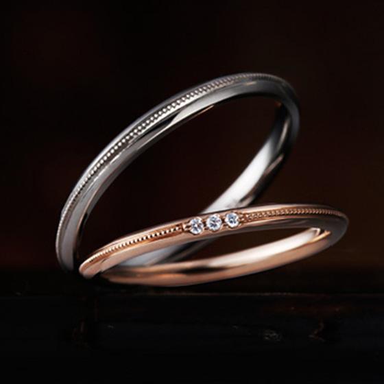 ミル打ちを施すことで、シンプルな結婚指輪にアンティーク感をプラスしたおしゃれなデザインに。