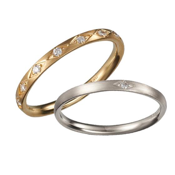 細かな細工を施し、ストレートのリングをおしゃれにアレンジした結婚指輪。
