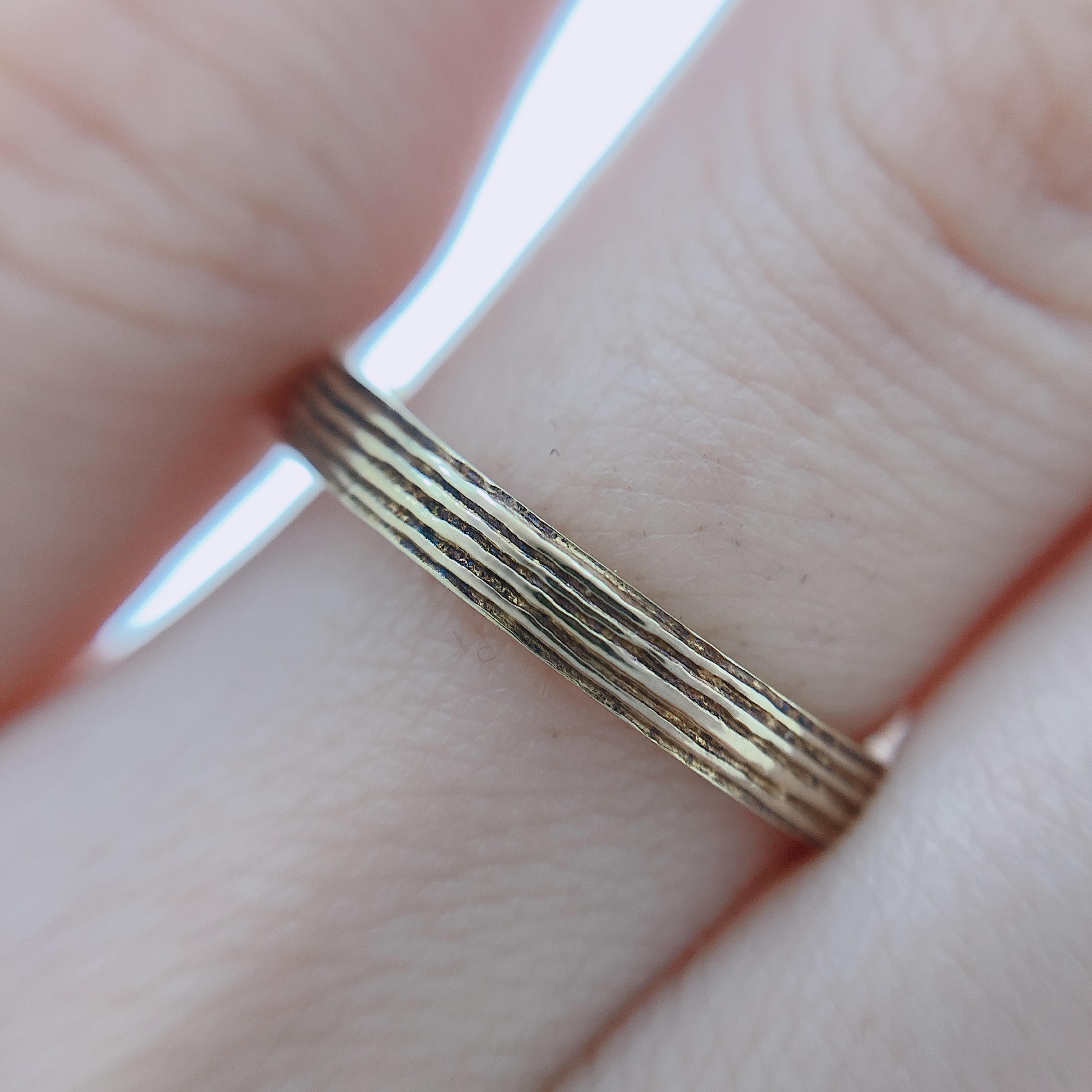 個性的なリングをお探しの方にお勧めのデザインです。