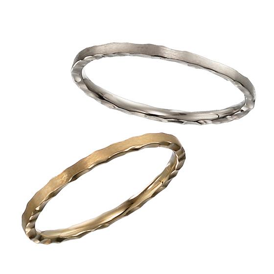 表面はマットな仕上げ、側縁をパリの石畳を思い出すような繊細なおつくりに…きらめきをマット感を使い分けた上級者向きの結婚指輪です。