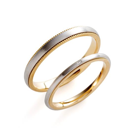 華奢なつくりのコンビネーションリング。サイドのミル打ち部分がゴールドになっており、シンプルな中にもゴールドのさりげない印象をつけている。