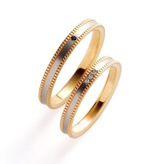 内側と外側で色味の変化をつけた結婚指輪。サイドのミル打ちが立体的になっており、クラシカルな印象を与えてくれる。