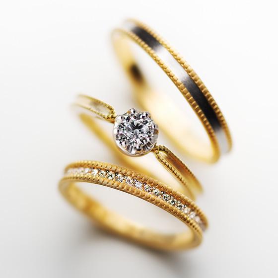 真っ直ぐに引かれたミル打ちがきらめき、ダイヤモンドとの相性の良いセットリング。細身の2つのリングを重ねてゴージャスに!