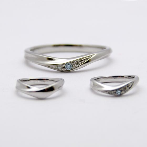 >結婚指輪とお揃いのベビーリングもお作り出来ます。
