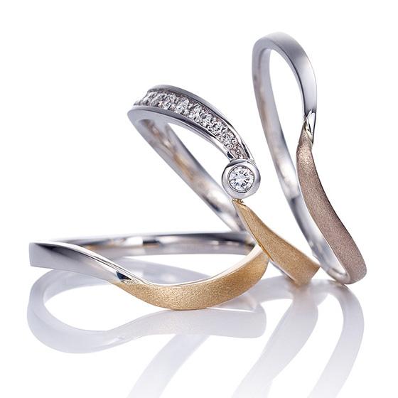 Women'sが2タイプから選べるマリッジリング。引っかかりを抑えたデザインで、センターストーンを高品質で輝きの良い、少し小振りなダイアモンドを使用しています。