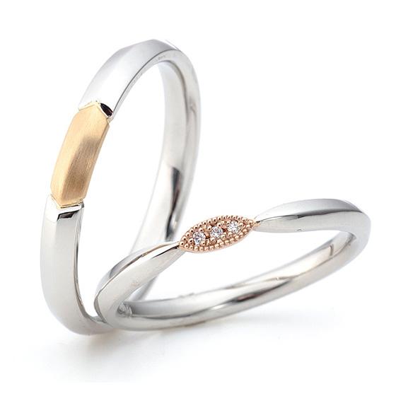 指輪全体がナイフエッジ(山)になっていてレディースにはミル打ち(ミルグレイン)でダイアモンド3石を可愛く留めてあります。メンズもセンターのみ色味を変えてオシャレなデザイン。