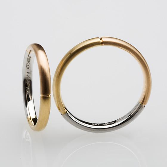 プラチナ、イエローゴールド、ピンクゴールドの3色を使用した結婚指輪。