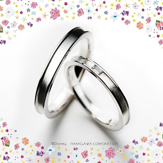 階段に残されたシンデレラのガラスの靴がモチーフの結婚指輪。偶然の出会いが運命を変える輝くふたりのストーリー。