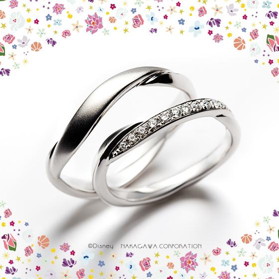 キラキラ輝く、美しく穏やかな波をイメージした結婚指輪。途切れることのない波のように2人の幸せがこれから永遠に続いていく…