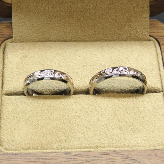 >lady'sリングにはダイヤモンドをセッティング。ペアデザインのハワイアンブライダルリングです。