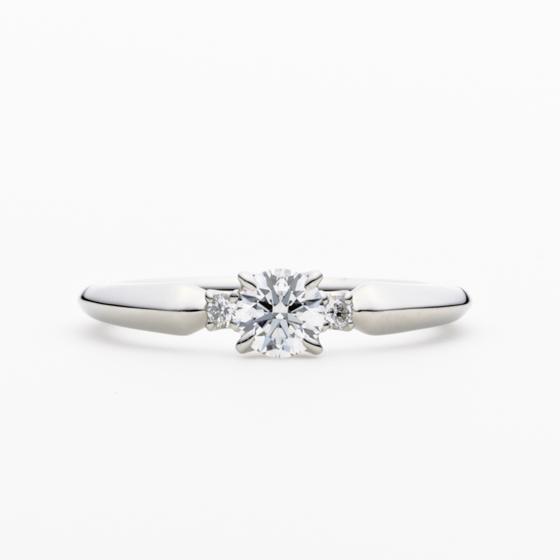 >煌くダイヤモンドは夜空で最も明るいシリウスのような、ふたりの未来への希望が込められています。