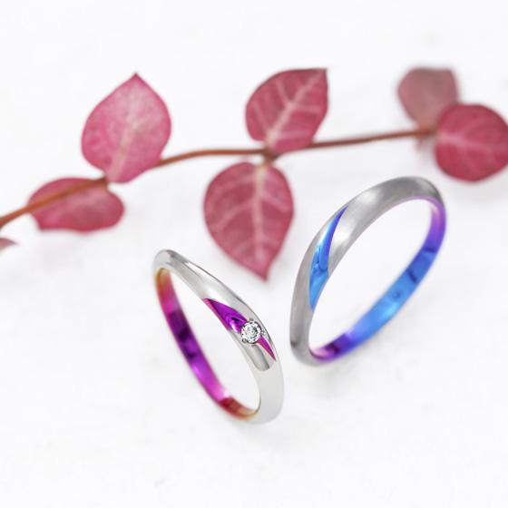 曲線のラインが美しい、洗練された結婚指輪。
