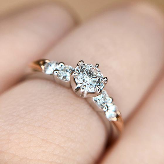 モニッケンダムのダイヤモンドの輝きをその目で確認してください。