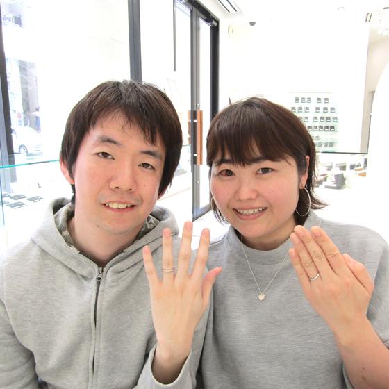 >婚約指輪・結婚指輪のセットをご成約頂きました。とってもお似合いのカップル様ですね♡