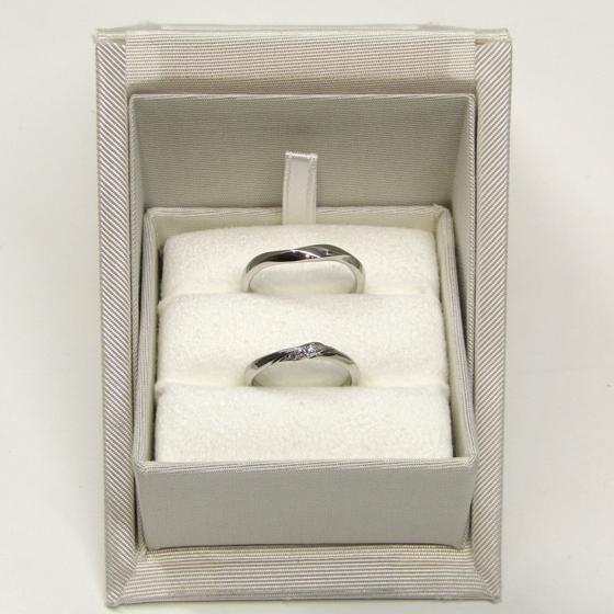 >着け心地にこだわった、重厚感のあるデザインの結婚指輪です♡