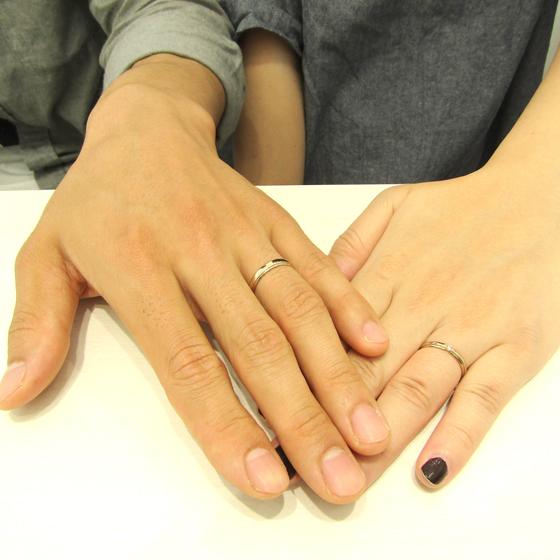 >結婚指輪らしい、シンプルなデザインです。