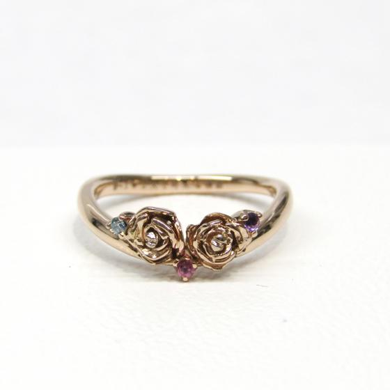 >図面から形を作らせていただき、完全オーダーメイドの婚約指輪に♡