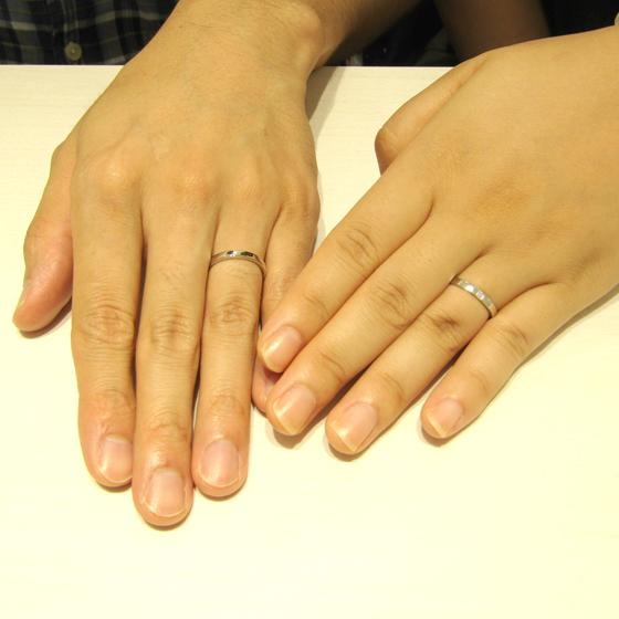 >着け心地の良さにこだわった、内甲丸&プラチナ&ダイヤモンドの結婚指輪