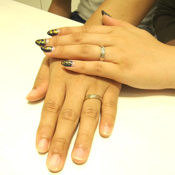 >波モチーフの高品質ハワイアンジュエリーを結婚指輪に。