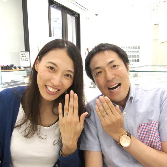 >とてもお似合いのカップル様♡婚約指輪・結婚指輪のセットリングが手元に輝きます✨