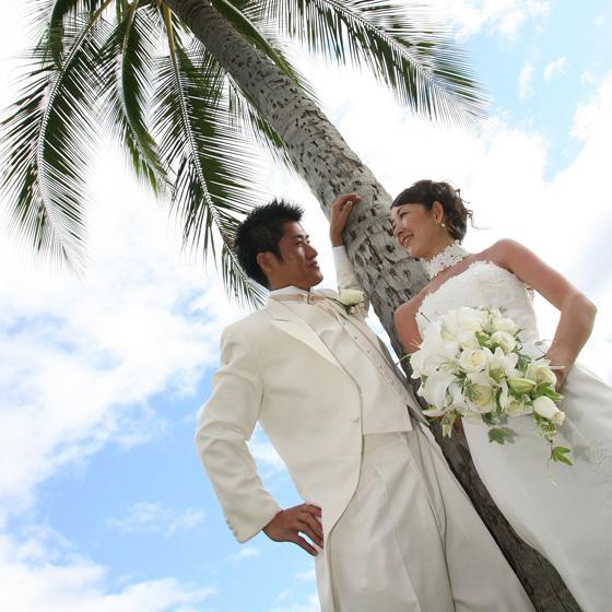 >結婚指輪をお得に手に入れられるウエディングプランも喜んで頂きました。ウエディングドレスとってもお似合いです!