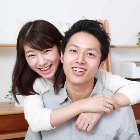 >とてもお似合いのY様とR様♡婚約指輪を贈るプロポーズからお手伝いさせていただきました!