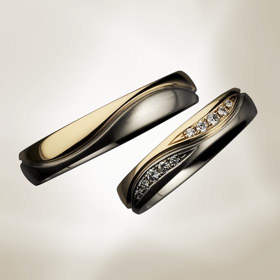 おふたりの永遠を象徴するのようなインフィニティマークをイメージした結婚指輪。