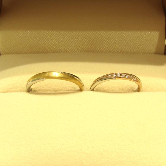 >男性用のリングはイエローゴールドのマット加工がとてもオシャレですね!