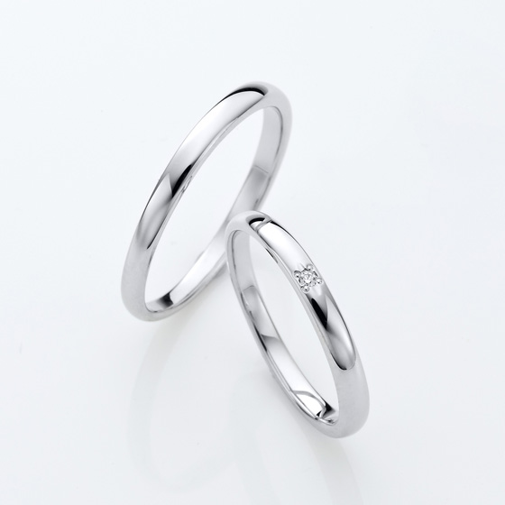 シンプルストレートの王道デザインの結婚指輪(マリッジリング)