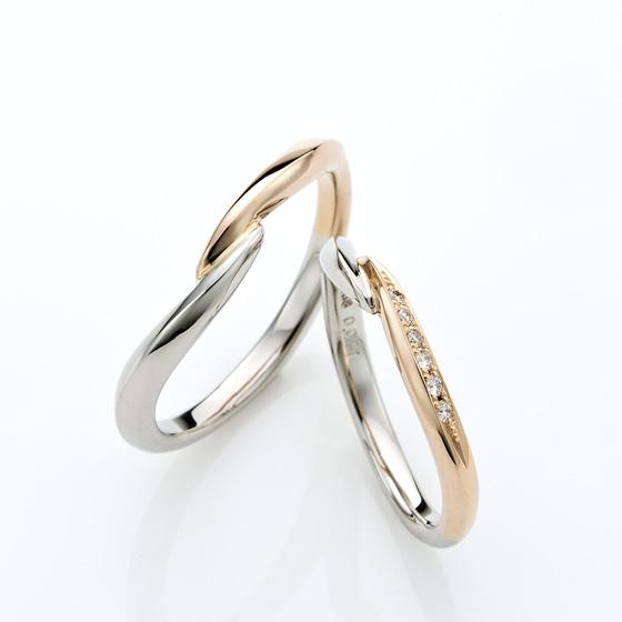 おふたりの手と手を取り合ったかのような緩やかなカーブラインが特徴的な結婚指輪です。
