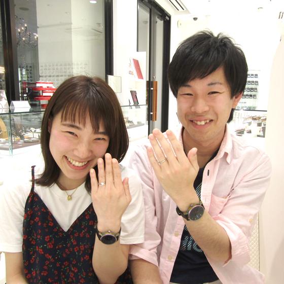 笑顔がとってもキュートな葵様と優しく包み込んでくれそうな聡史様。とってもお似合いです!