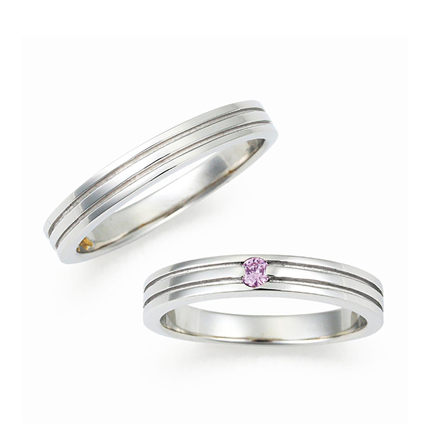 平打ちのリングに2本のラインが入ったカッコいいタイプの結婚指輪(マリッジリング)レディースには天然ピンクダイヤモンドが一粒入っています。