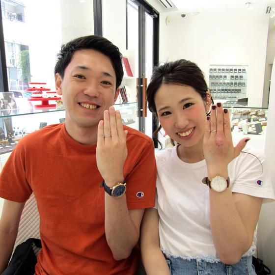 笑顔が素敵なカップル様♡結婚指輪が光っています!