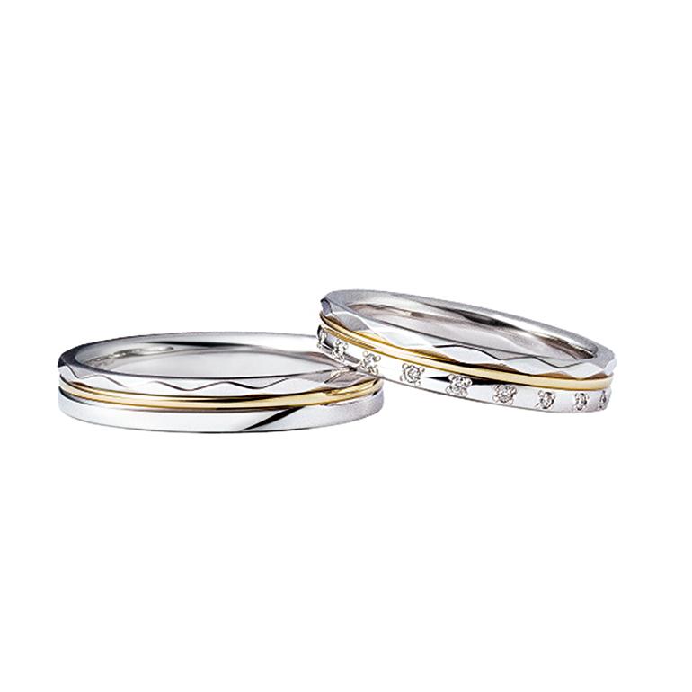 プラチナとイエローゴールドで上品さのあるリング。3つのリングを重ねたようなデザインです。