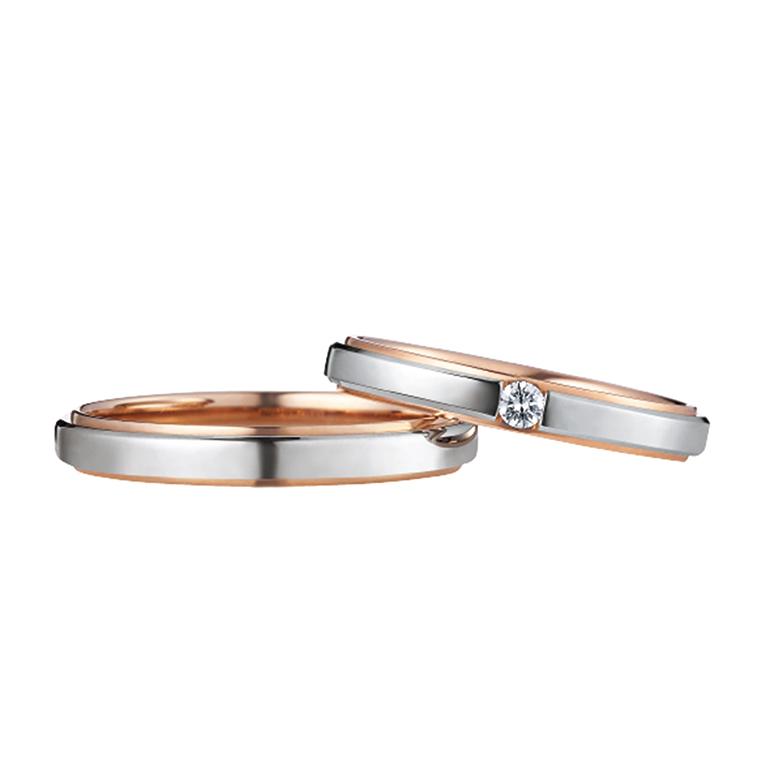 まるで二つのリングを重ねたようなデザイン。永遠の象徴プラチナ・幸福感の象徴ピンクゴールドが合わされています。