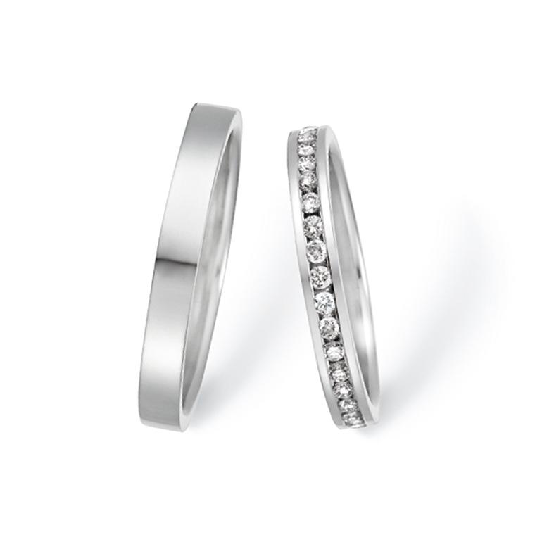 エタニティタイプで存在感の抜群なリング。統一感があり人気なデザインです。