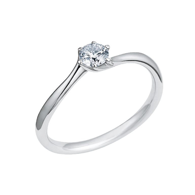 細身で華奢なエンゲージリング。アームが細い分中心のダイヤが引き立ちます。さりげない美しさを表現。