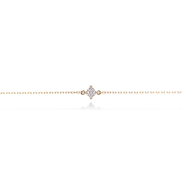 華奢なチェーンに一粒キラリと光るダイヤモンドが可愛いブレスレット。
