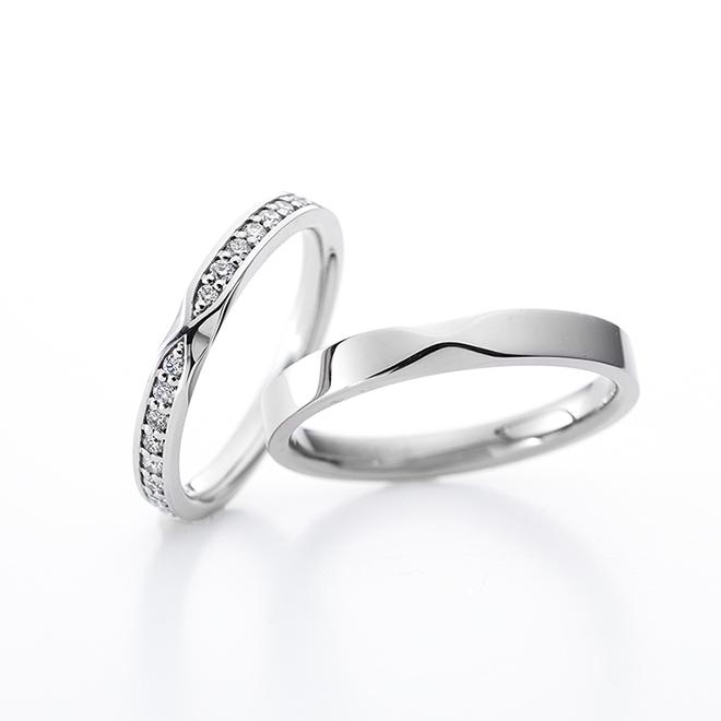 「ありがとう」という意味を込められた結婚指輪。リボンのようなデザインが2人を結び続けます。