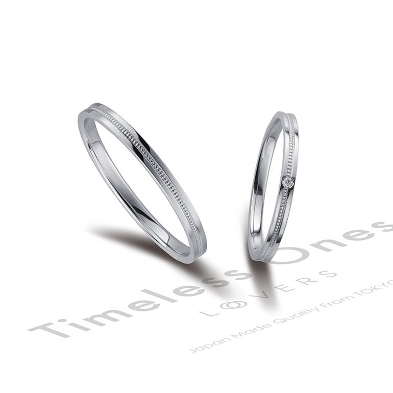 平打ちのアームでシャープな印象に。ミルグレイン加工によりお洒落な可愛さも含まれたリングです。