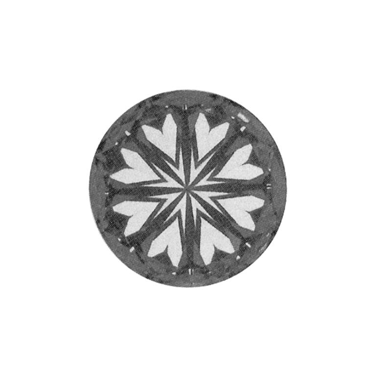 こちらもハートの形が見えるのは、しっかりとしたダイヤモンドの特徴です。
