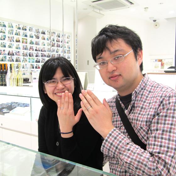 >とっても仲良しなお二人♪楽しそうに指輪造りができました!