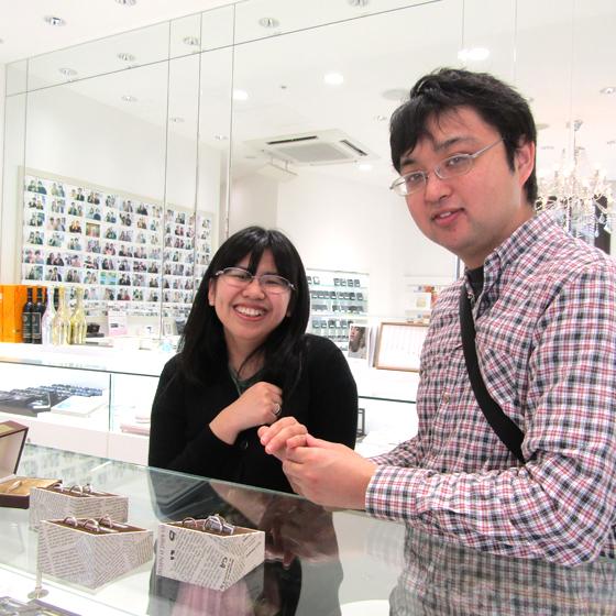 >お二人の結婚指輪を一緒に作ることができて嬉しいです。ありがとうございました!